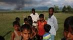 Arakanda kundaklanan Müslüman köyleri