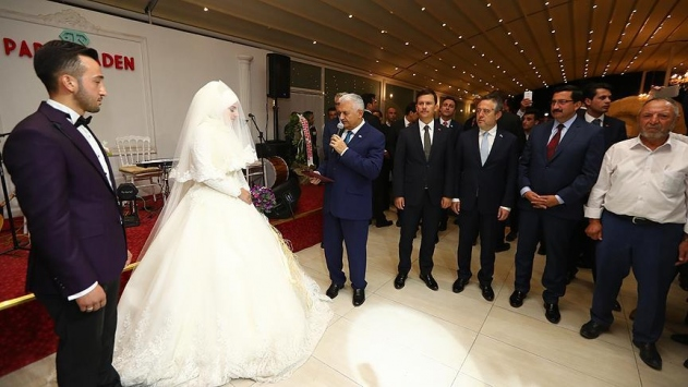 Başbakan Yıldırım, 15 Temmuz gazisinin nikah şahidi oldu