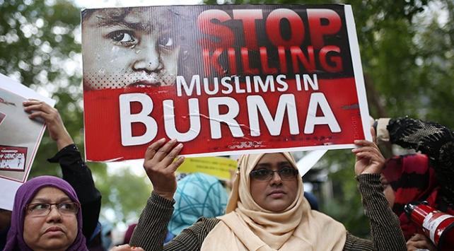 New Yorkta Arakanlı Müslümanlar için protesto