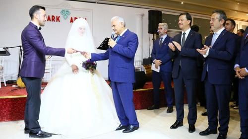Başbakan 15 Temmuz gazisinin nikah şahidi oldu