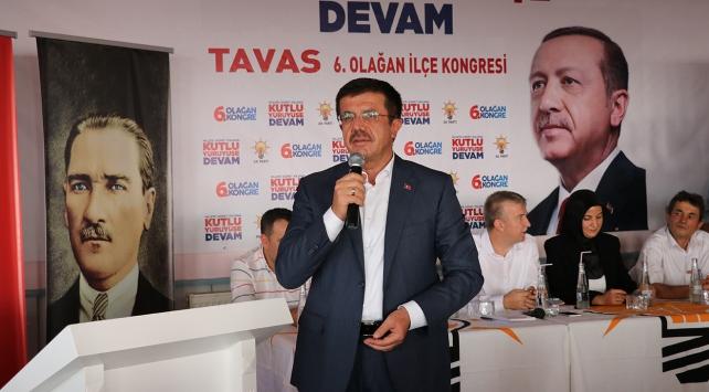 Ekonomi Bakanı Zeybekci, AK Parti Tavas İlçe Teşkilatı olağan kongresine katıldı