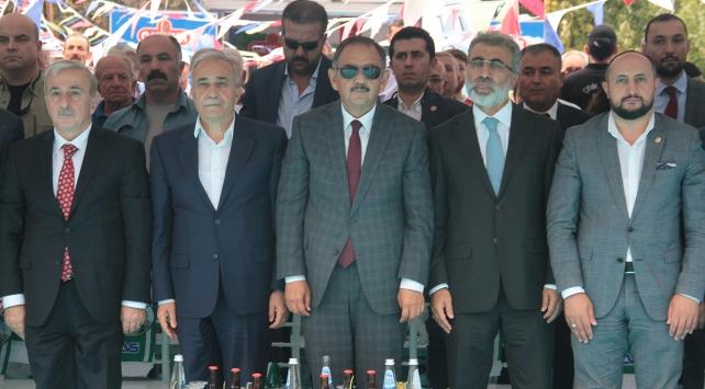 Bakanlar Özhaseki ve Fakıbaba üzüm festivaline katıldı
