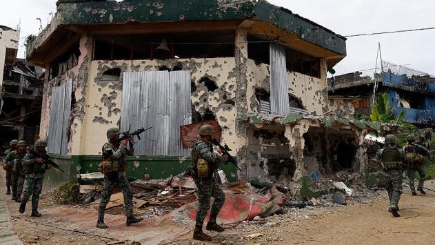 Filipinlerde tarihi cami militanların elinden geri alındı