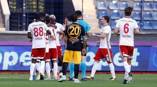 Demir Grup Sivasspor, Osmanlısporu 4-2 yendi