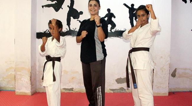 Kız kardeşlerin karatedeki başarısı