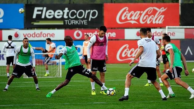Beşiktaşlı futbolcular derbide siftah peşinde