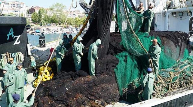 Karadenizli balıkçılar Marmarada istavrit peşinde