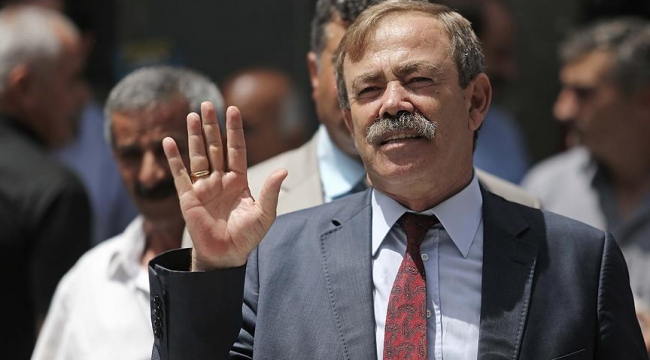 Aranan eski HDPli belediye başkanı teslim oldu