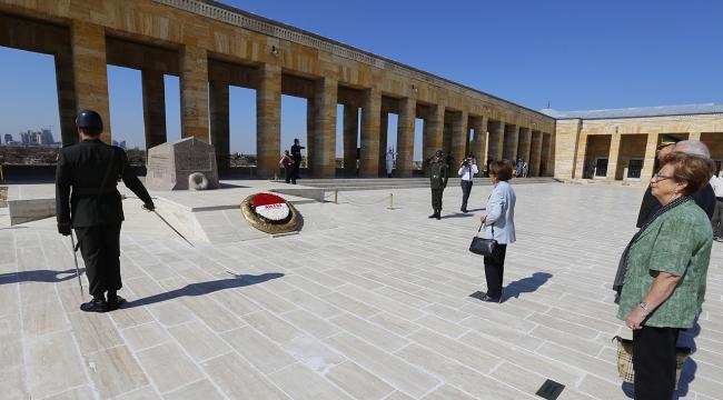 İsmet İnönü Anıtkabirdeki mezarı başında anıldı