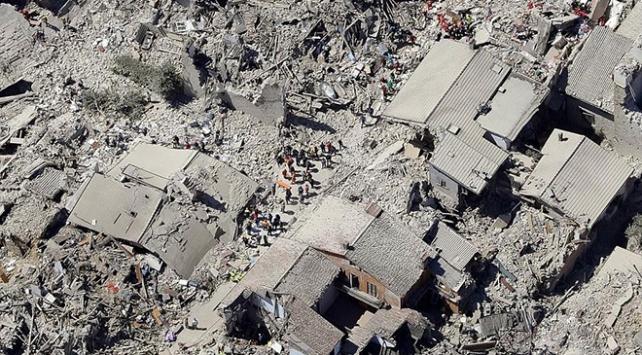 İtalyada deprem yardımları tartışması: Bölgeye hiç ulaşmadı