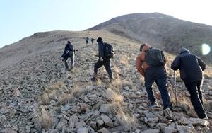 Dağcılar 3 bin 433 metrelik Kösedağa tırmandı