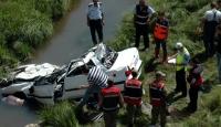 Araba Takla Attı: 3 Ölü