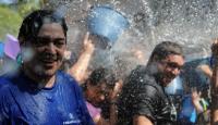 Vallecaslılar Su Şenliğinde Serinledi