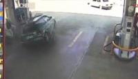 Akaryakıt İstasyonundaki Kaza Ucuz Atlatıldı