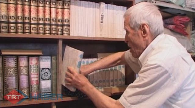 Kitaplara Aşık Bir Dede