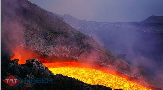 Etna Yanardağı Faaliyette