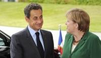 AB'de Gözler Sarkozy ve Merkel'de
