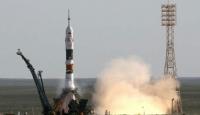 Soyuz, Uzay İstasyonu'na Kenetlendi