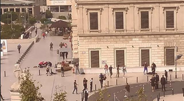 Fransada tren istasyonunda bıçaklı saldırı