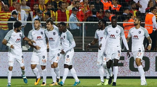 Medipol Başakşehir, deplasmanda Göztepeyi 2-1 yendi