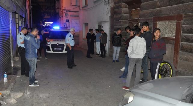 İzmirde gaz sıkışması sonucu patlama