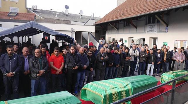 Fransadaki yangında ölen Türk vatandaşları için tören