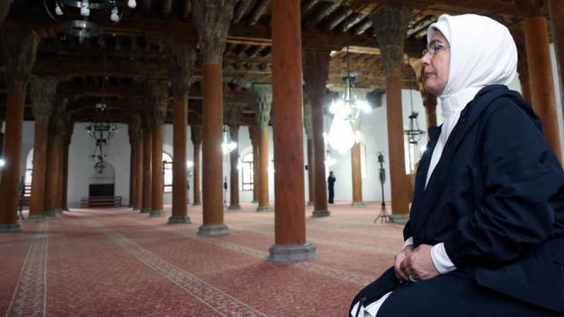 Emine Erdoğan Afyonkarahisarda restorasyon çalışmalarını inceledi