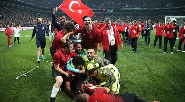 Ampute Milli Futbol Takımına tebrik yağdı