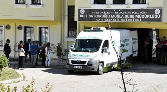 HDPli vekillerden skandal: Teröristlerin cenazelerini aldılar