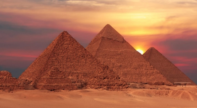 Mısırda yeni bir piramit keşfedildi