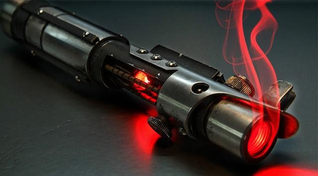 Bu lazer silahı 200 metre uzaklıktaki hedefleri vuruyor