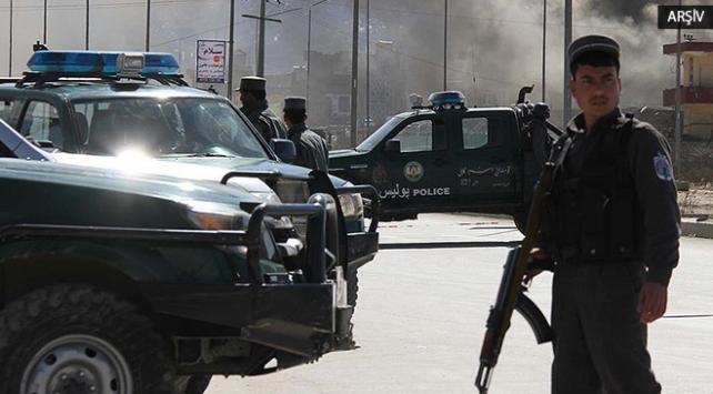 Afganistanda polis karakoluna saldırı: 5 ölü