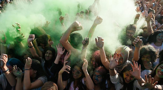 İzmirde Renklerin Festivali