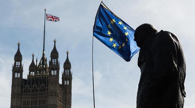 Birleşik Krallık Brexit baskısı altında
