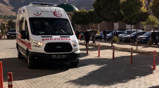 Öğrenci servisi ile otomobil çarpıştı: 1 ölü, 22 yaralı