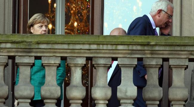 Almanyada koalisyon hükümeti için ön görüşmelere başlandı