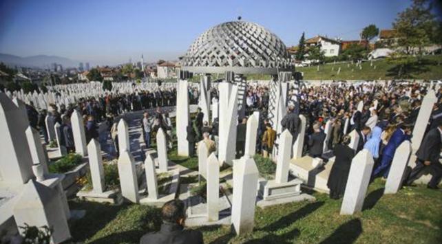 Bilge Kral Aliya 14. ölüm yıl dönümünde mezarı başında anıldı