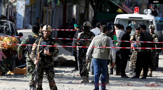 Afganistanda camilere intihar saldırıları: 69 ölü