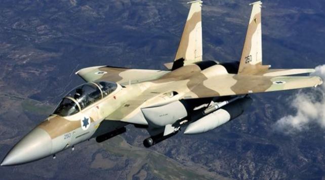 İsrail, Suriye ordusuna ait üç askeri noktayı bombaladı