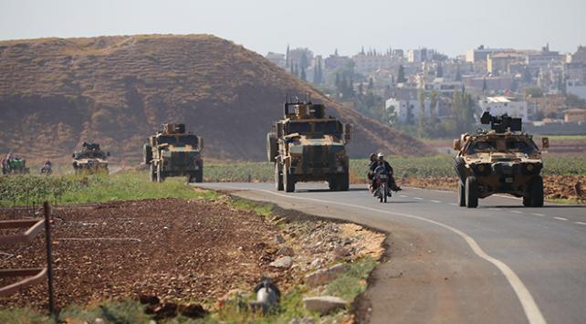 TSKnın zırhlı araçları Reyhanlıya ulaştı