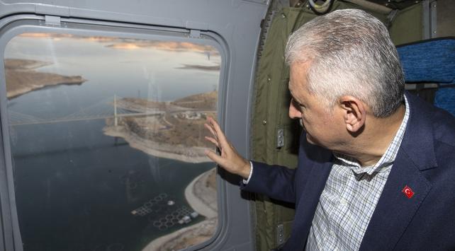 Başbakan Yıldırım, Ağın Köprüsünü havadan ve karadan inceledi