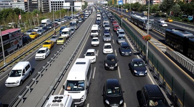 İstanbulda bazı yollar trafiğe kapatıldı! İşte alternatif güzergahlar...