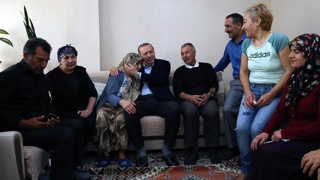 Cumhurbaşkanı Erdoğandan sürpriz ev ziyaretleri
