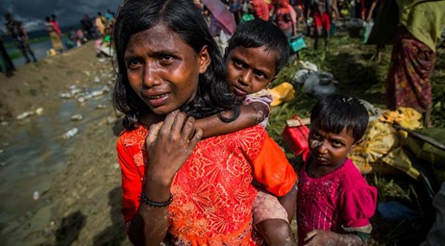 Bangladeşe sığınmacı akını sürüyor