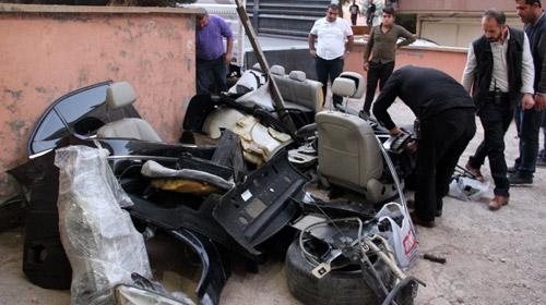 Tamire gönderilen otomobili gasbedip parçalamışlar