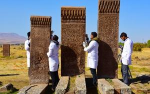 Selçuklu mezarlığında 600 mezar taşı düzeltildi