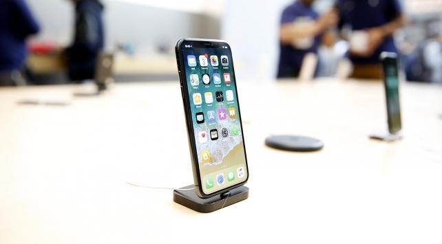 Apple en pahalı iPhonenunu satışa sundu