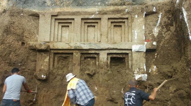 Antalyada M.Ö 4. yüzyılda yapılan Likya kaya mezarı bulundu