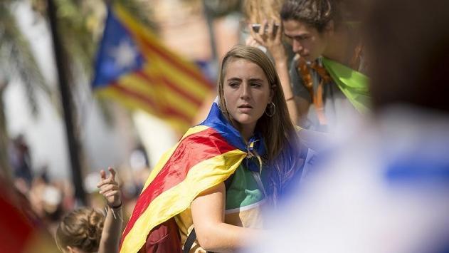 Katalonyanın bağımsızlık sevdası pahalıya mal oldu