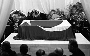 Atatürkün naaşının Dolmabahçeden Anıtkabire yolculuğu